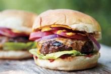 Cheeseburger με Χειροποίητο Μπιφτέκι